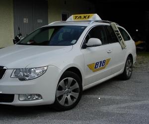 Taxischilder aus eigener Fertigung